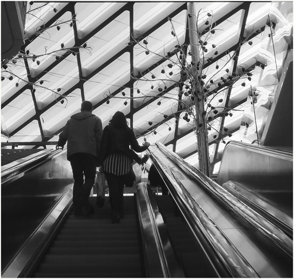 2 Val Kressman - Couple on Escalator